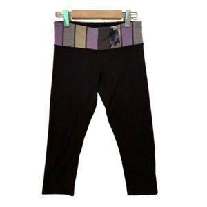 🍋 Lululemon reversible cropped leggings size 6